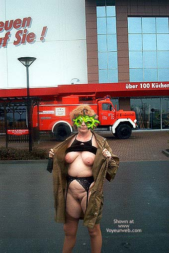 Pic #7 - Mausi Nude in Public