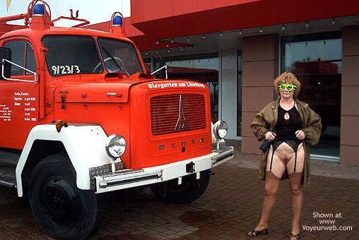 Pic #8 - Mausi Nude in Public