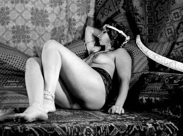 Pic #3 - Pompy Harem Slave