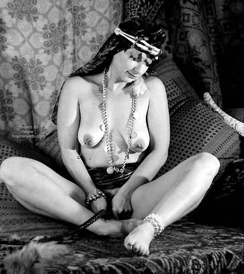 Pic #5 - Pompy Harem Slave