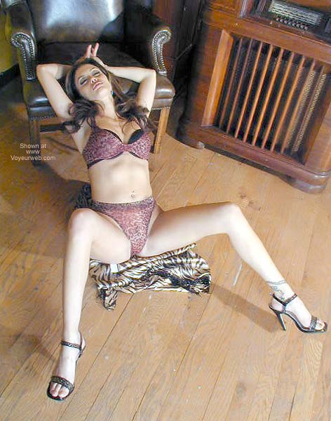 Pic #3 - Latina Valentina Kicking Back