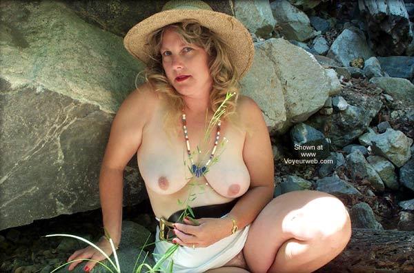 Pic #1 - *SA 40, Naked and Outdoors