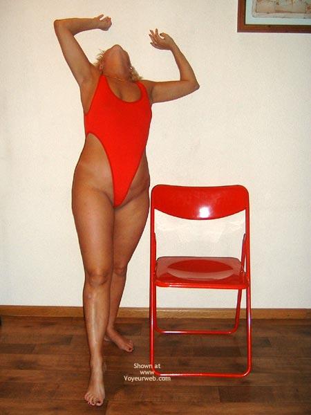 Pic #2 - 38yo Dutch Red String Body