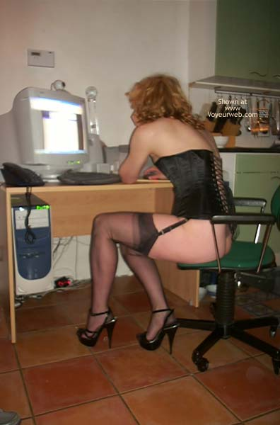 Pic #7 - Dutch Couple Wife in FF Nylons