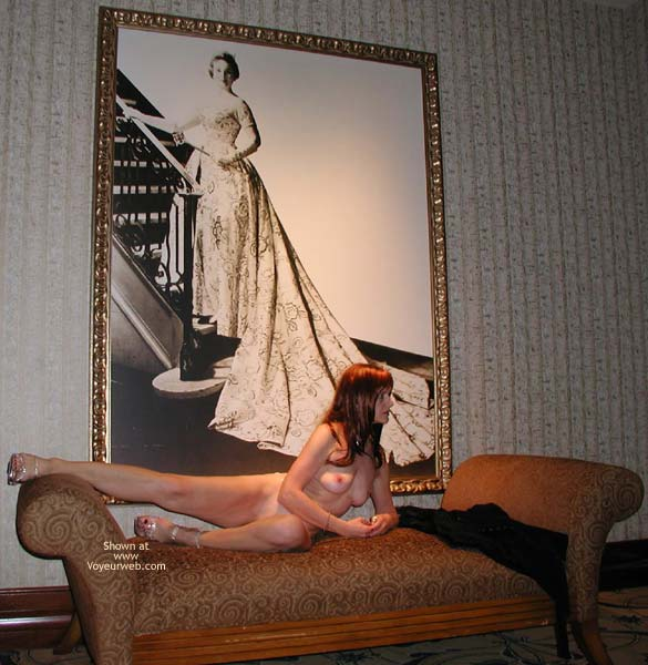 Pic #5 - Laila in The Lobby