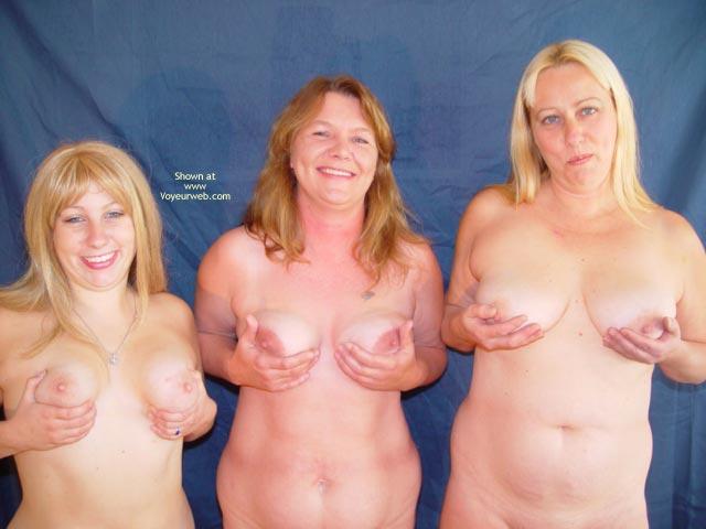 Pic #4 - Mother,Daughter,Daughter