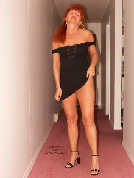 Pic #3 - Red Tonya - 8 At The Lodge