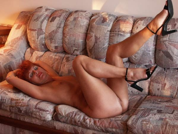 Pic #9 - Red Tonya - 8 At The Lodge