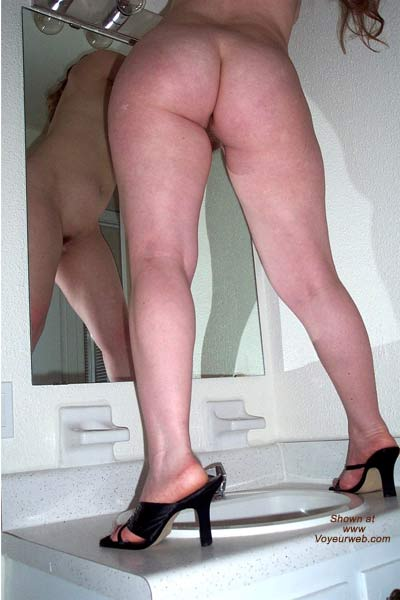 Pic #2 - Legs-r-Us II