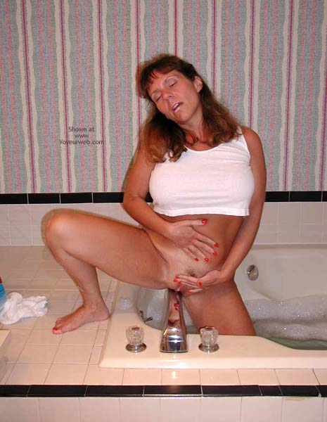 Pic #5 - *PA Hotwife Heather's Wet T-Shirt Contest