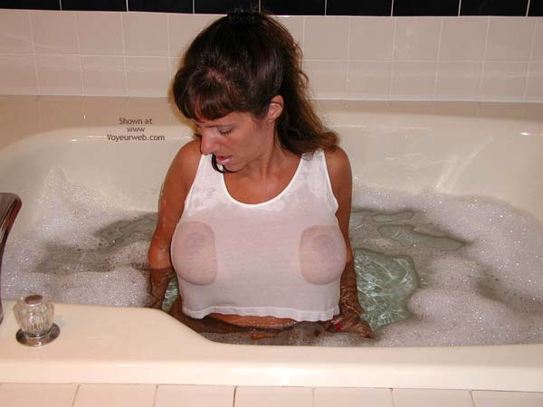 Pic #6 - *PA Hotwife Heather's Wet T-Shirt Contest