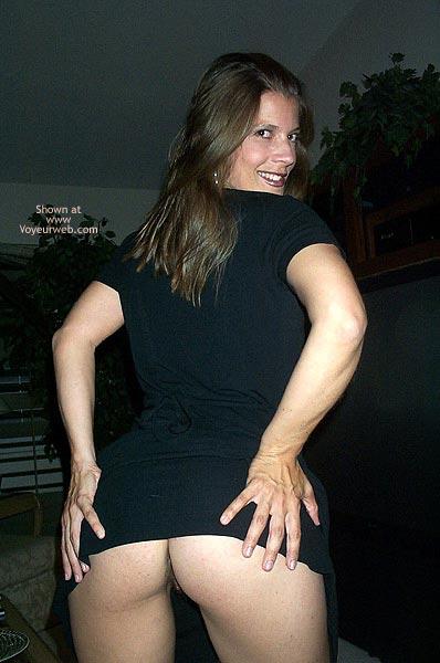 Pic #6 - Pamela Loosens Up 1