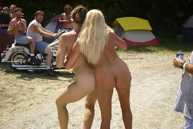 Pic #2 - Flashingal Naked Walk in The Afternoon