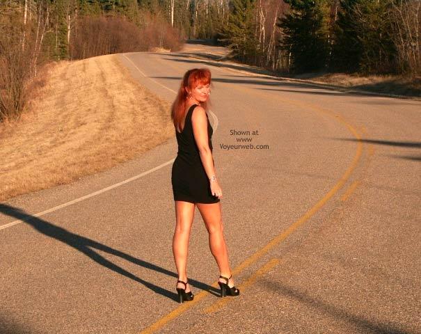 Pic #2 - 47 yo Red Tonya -11 Outdoor Sunset