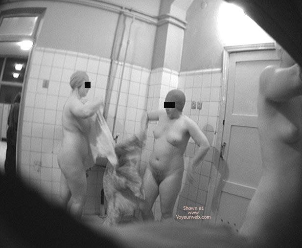 Pic #6 - Pool Dress Room - 3 Nude