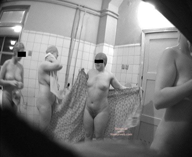 Pic #7 - Pool Dress Room - 3 Nude
