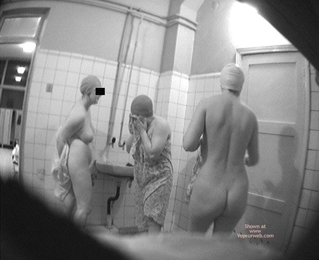Pic #10 - Pool Dress Room - 3 Nude