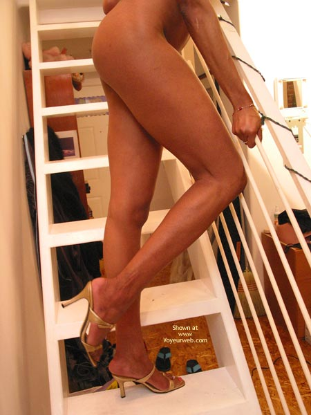 Pic #9 - Starri On The Stairs Cont