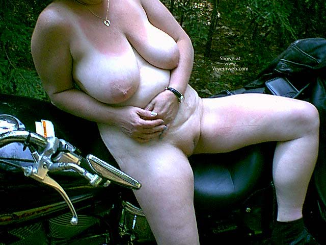 Pic #5 - Mature NH Wife 4 Others