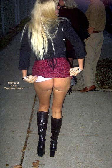 Pic #3 - *NP Flashingal Pantyless in Public