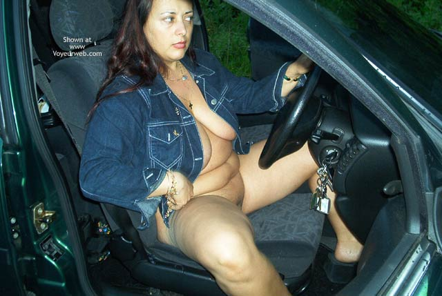 Pic #4 - Roxy Out in Her Car