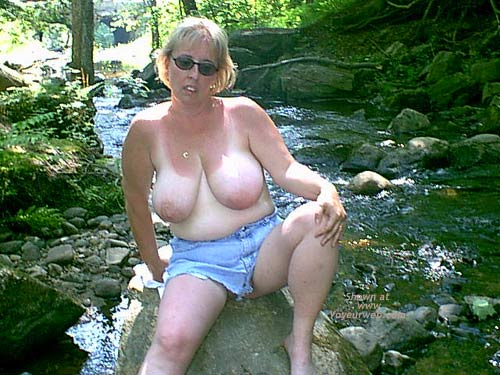 Pic #2 - Mature NH Wife For Others