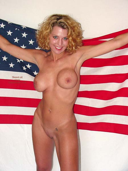 Pic #6 - Lindsey Wishes Everyone a Happy 4th of July!