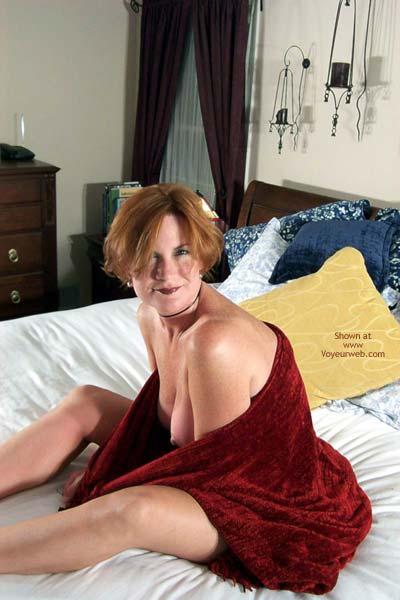 Pic #7 - Carolina Bi Babe's Red Shawl