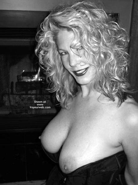 Pic #4 - Tc Smoking Hot Blond At 45