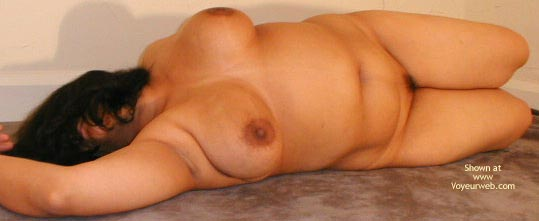 Pic #6 - Busty Indian Mom