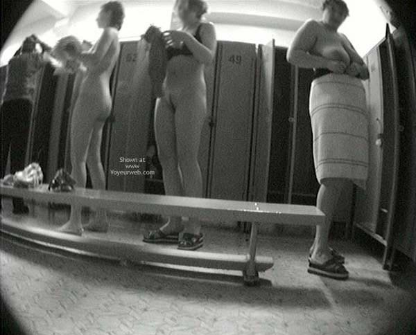 Pic #6 - Pool Dress Room - 3 Nude Girls