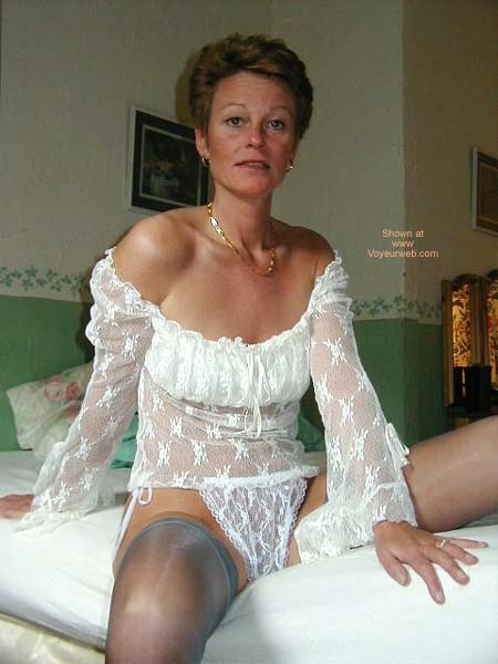 Pic #5 - Lady in Lingerie 2