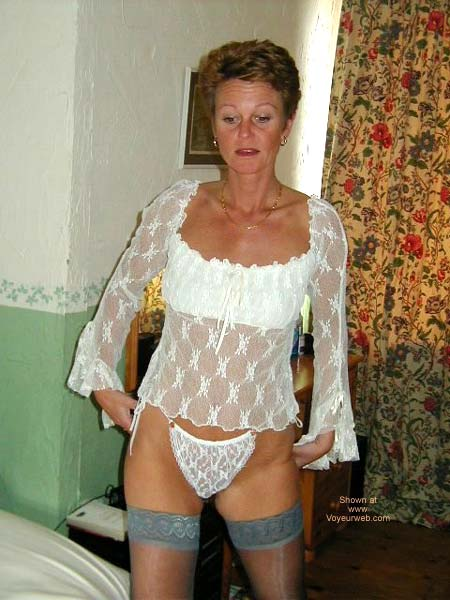 Pic #4 - Lady in Lingerie 1