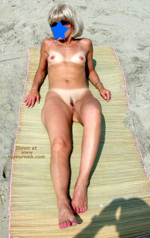 Pic #7 - Amy - Naked at The Beach