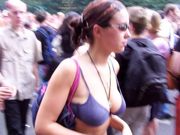 Pic #3 - Love Parade Berlin 2002 Part 1