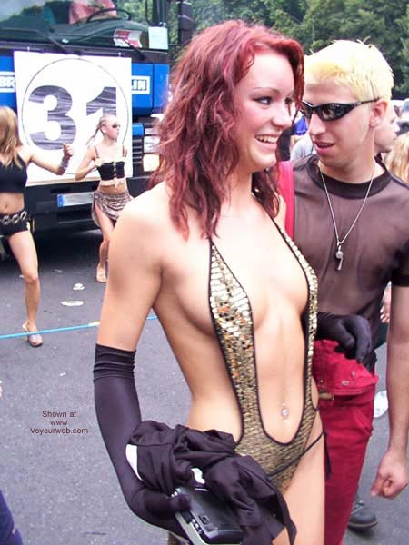 Pic #5 - Love Parade Berlin 2002 Part 1