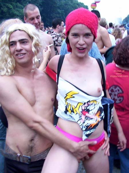 Pic #6 - Love Parade Berlin 2002 Part 1