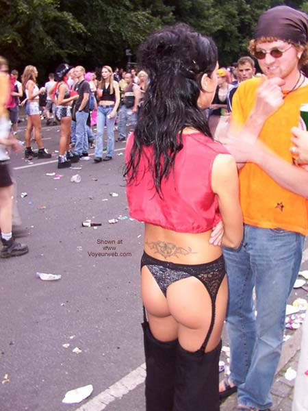Pic #9 - Love Parade Berlin 2002 Part 1