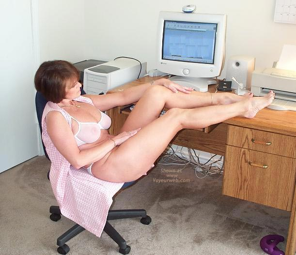 Pic #4 - Claire Gets Naked at The Computer!