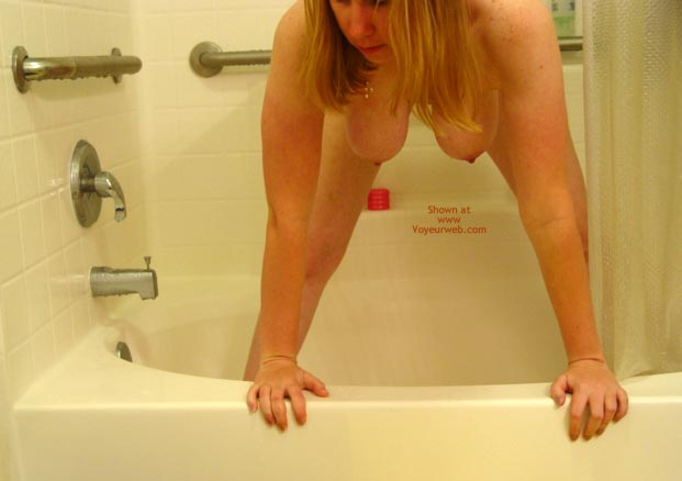 Pic #1 - *Sh Manitou Lisa In The Shower