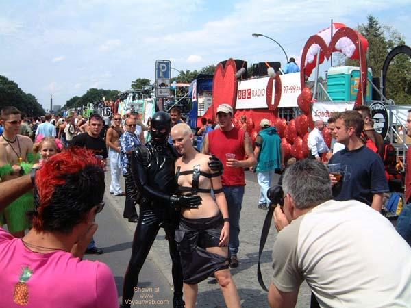 Pic #2 - Love Parade 2002 Berlin X3