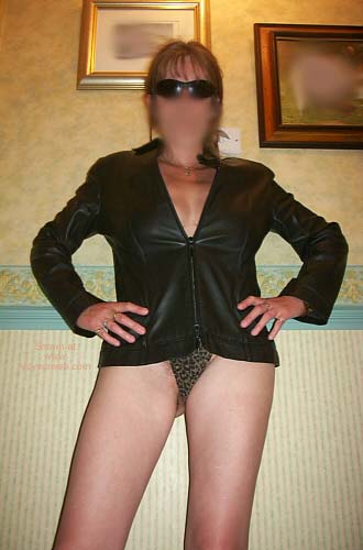 Pic #7 - 42 yo UK Girlfriend