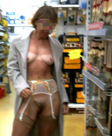 Pic #3 - *Sn Julie Hsvoie In A Shop