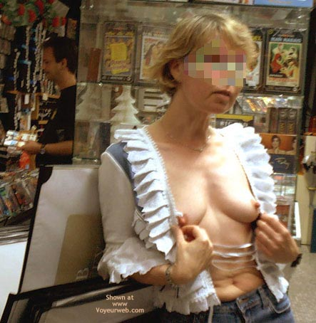 Pic #8 - *Sn Julie Hsvoie In A Shop