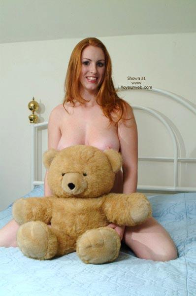 Pic #1 - 20 Yo Busty Redhead'S First Post