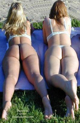 Pic #2 - 2 Girls Sunbathing