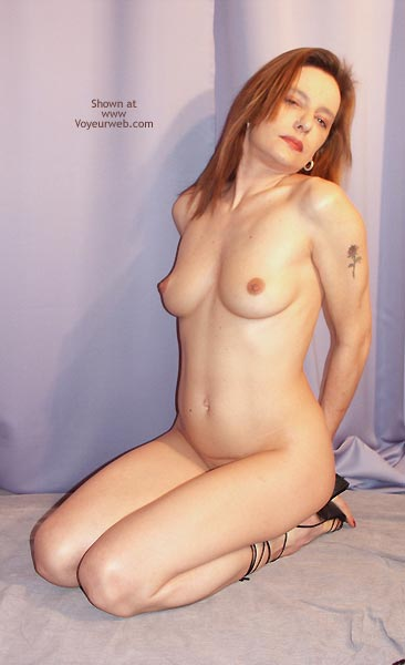 Pic #8 - Susy Rocks Naked For The Voyeurweb