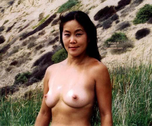 Pic #2 - Asian GF Lani Nude at Blacks Beach 2
