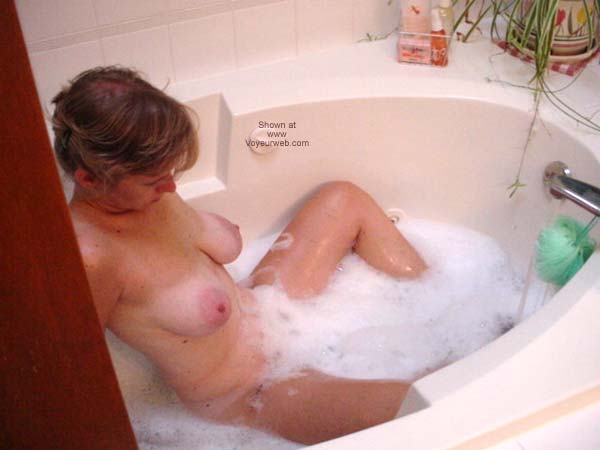 Pic #6 - Cafeteria Lady Bathtime