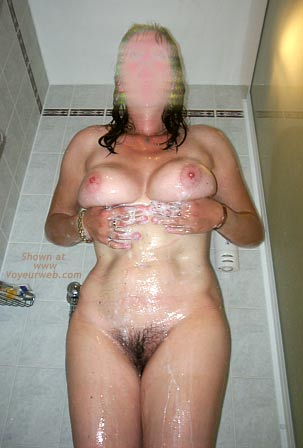 Pic #2 - 42 yo UK Girlfriend